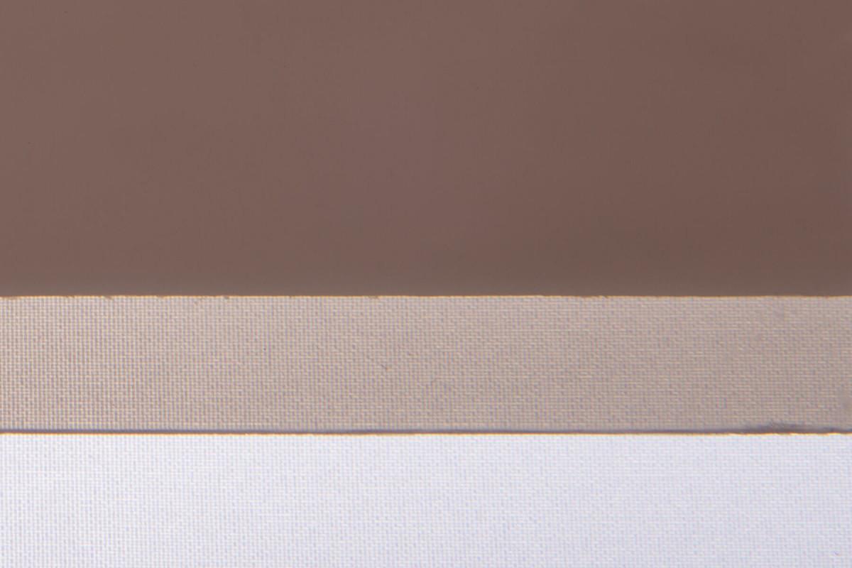 Карбогласс 8 мм бронзовый. Образец на фоне листа бумаги и ткани